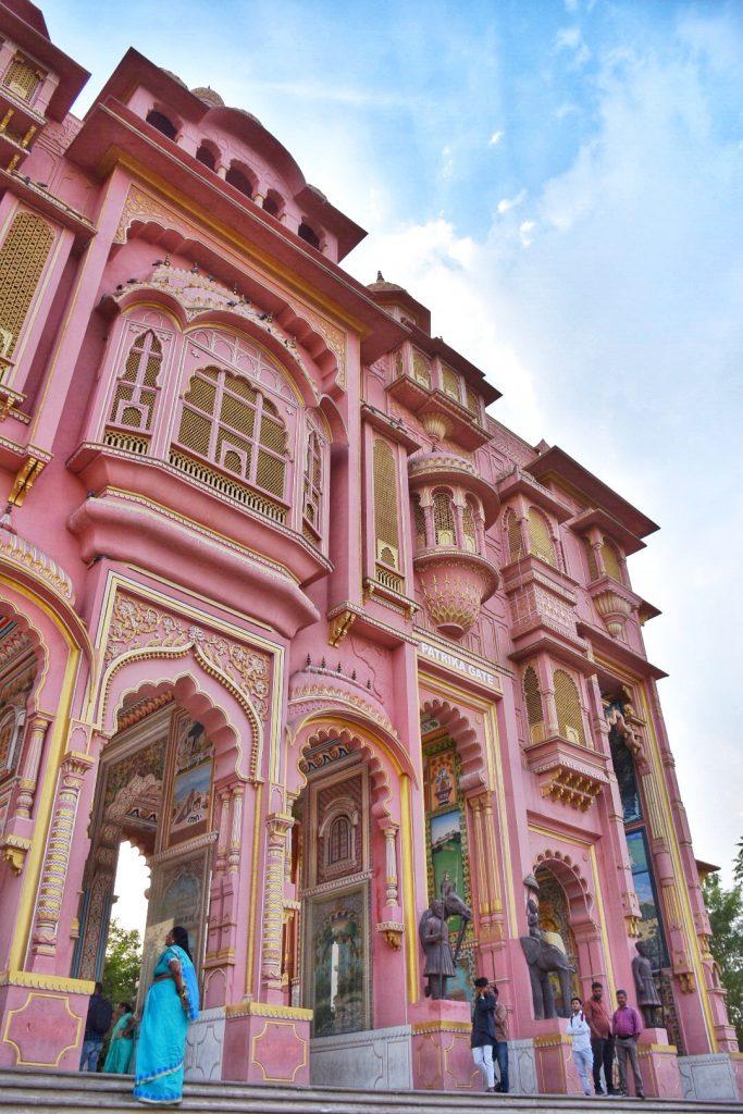 Instagram worthy photos at Patrika Gate in Jaipur