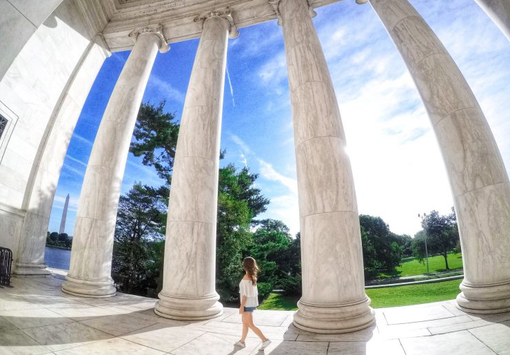 Washington Memorial can be seen through the columns at the Jefferson memorial